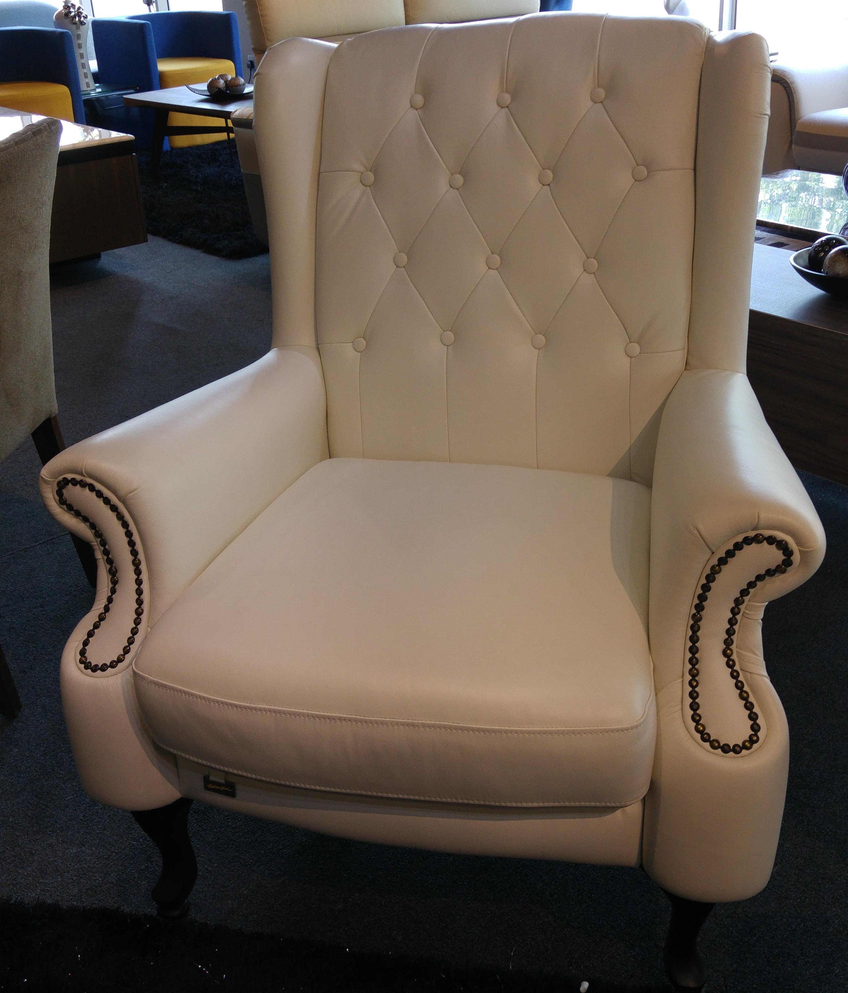 Reina Easy Chair