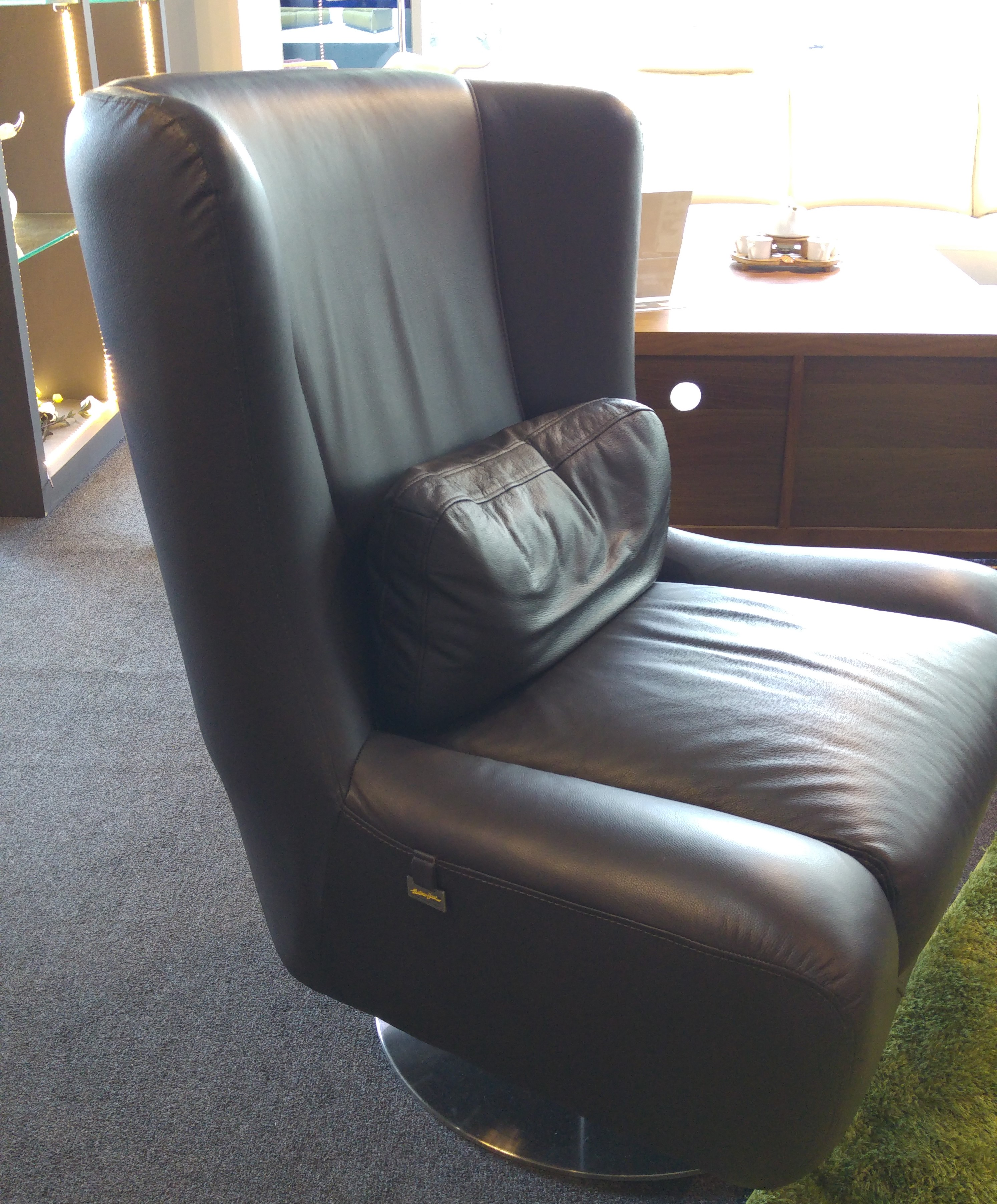 Suve Half Leather Swivel Chair
