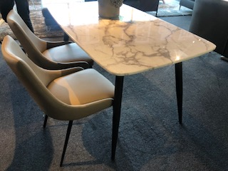 Cubi Dining Table